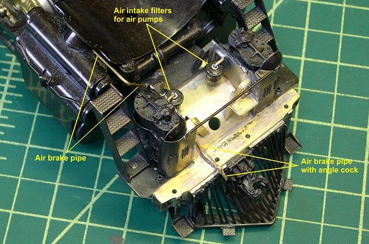 atsf santa fe 5001 2-10-4 air pump plumbing 1